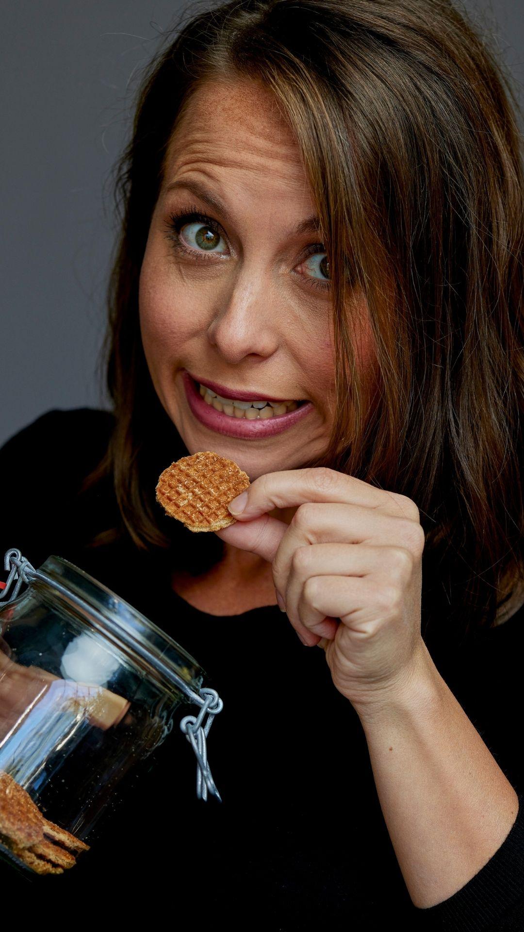 Desiree Graste - koekjes eten